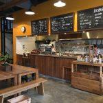 千葉市若葉区高品町のカフェ「BENCH offee」、木工家具会社とサーフショップが併設